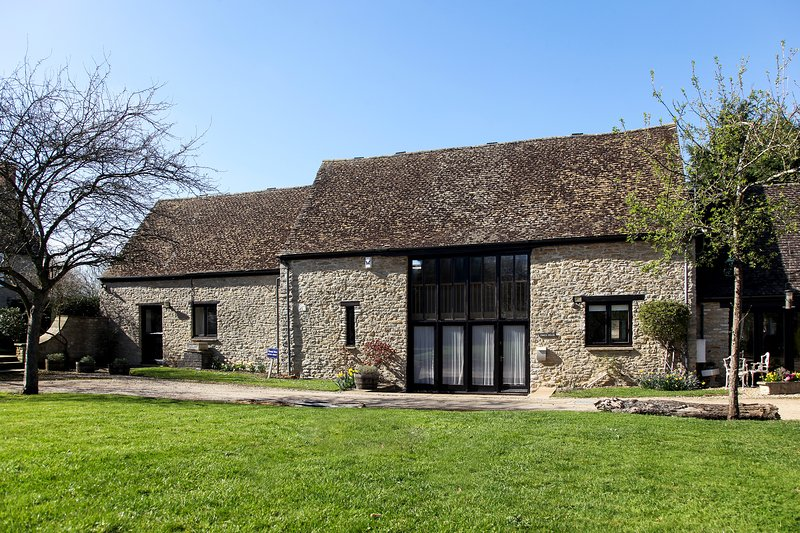 Coach House - converted barn in a quiet hamlet, aluguéis de temporada em Tackley