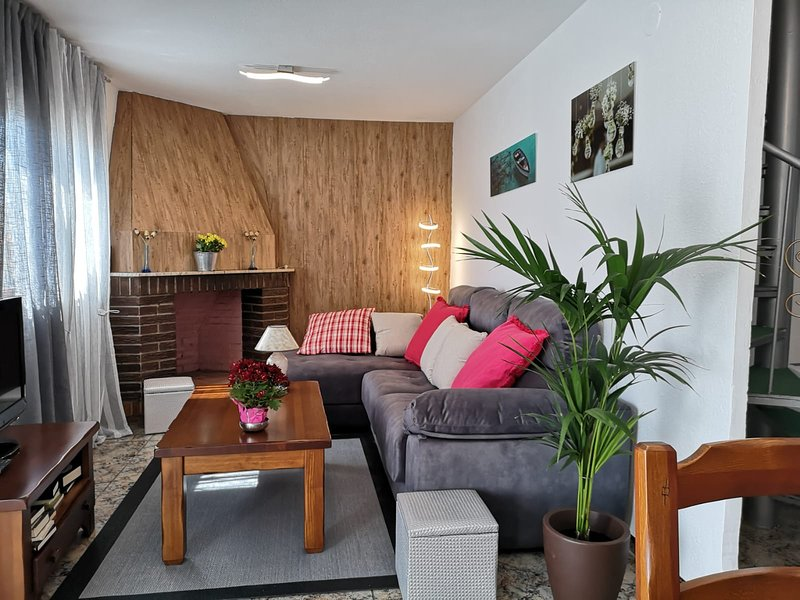 Amazing house with terrace & Wifi, vacation rental in L'Eucaliptus