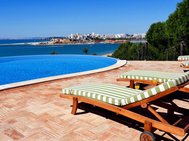Monte Bela Vista Villa, vacation rental in Ferragudo