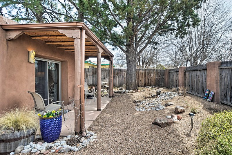 Smell the fresh New Mexico air from this Albuquerque vacation rental house.