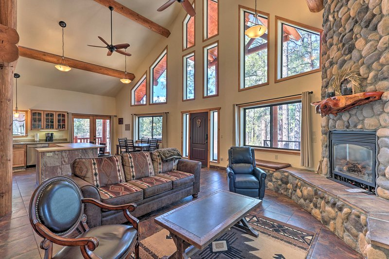 The 3-bedroom, 2.5-bathroom home boasts upscale furnishings for 8 guests.