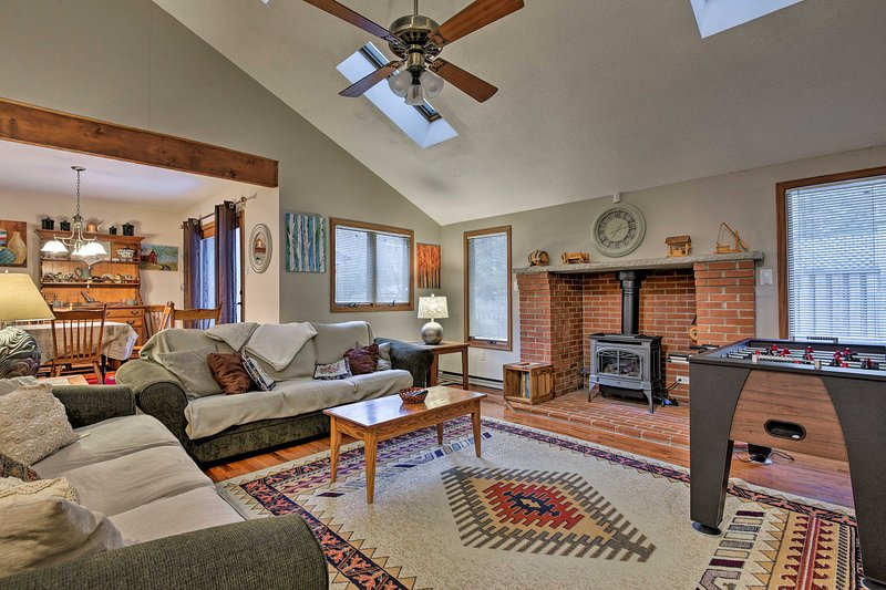 Book a trip to this cozy 3-bedroom, 2-bathroom vacation rental home for 10.