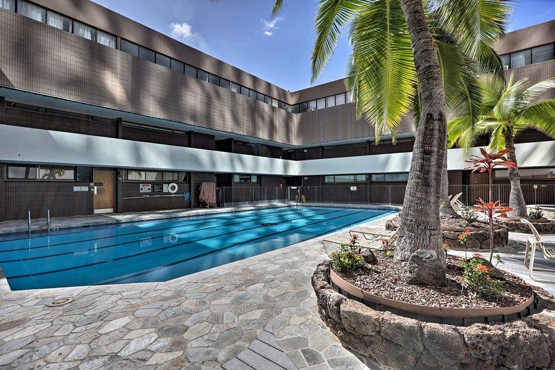 Downtown Honolulu Suite-Near Ala Moana Beach!, alquiler de vacaciones en Aiea