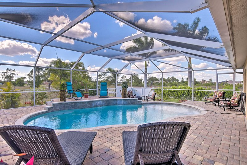 Cape Coral Home w/ AC, Pool, BBQ & Fire Pit!, alquiler vacacional en North Fort Myers