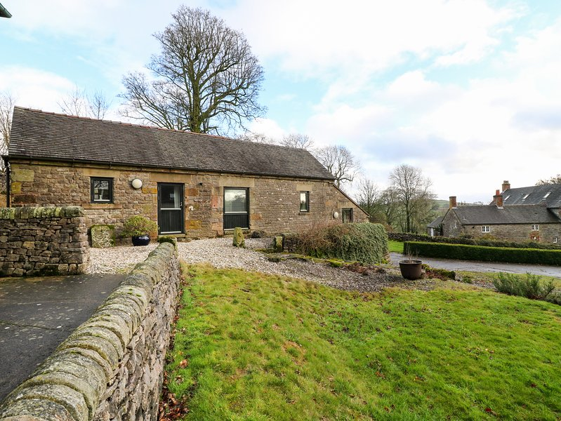 SLADE TOPS, dog friendly, woodburner, Ilam, vacation rental in Wetton