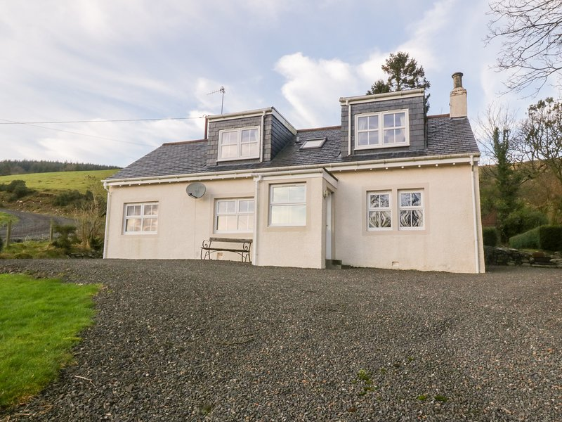 CAIRNHILL, WiFi, En-suite, Country views, Girvan, location de vacances à Girvan