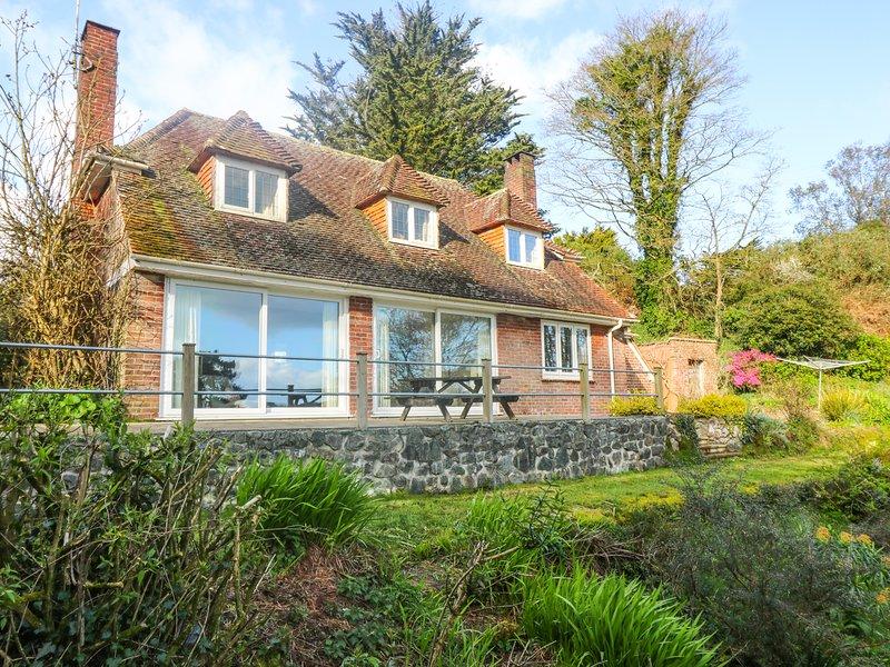 FLUSHING MEADOW two-storey house, walk to coast, in Gillan, Ref xxxxxx, holiday rental in Gillan