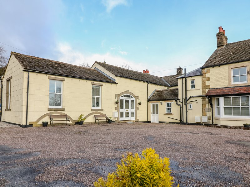 THE COACH HOUSE, WiFi, pet-friendly, in Buxton, vacation rental in Combs