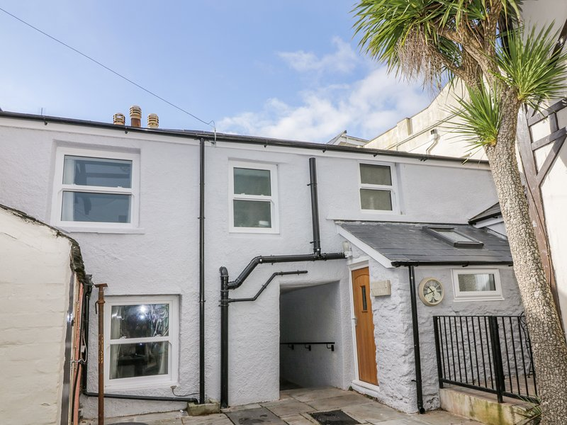 HOCKING COTTAGE, Full of character, Spacious rooms, WiFi, Torquay, holiday rental in English Riviera