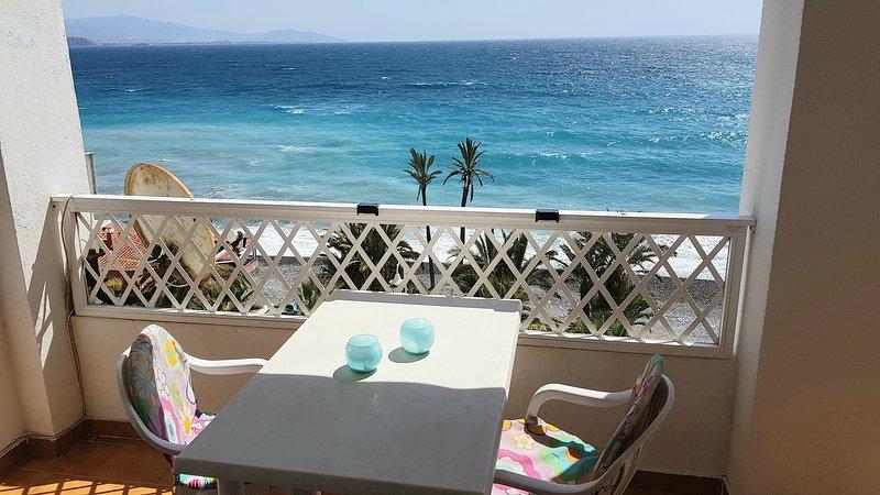Casa Margarita 1, vista Mar y primera linea de la Playa Velilla, A/C, piscina – semesterbostad i Almunecar