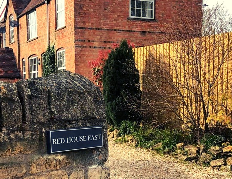 The Red House Annexe- beautiful studio annex for couples-walkers heaven, casa vacanza a The Slaughters