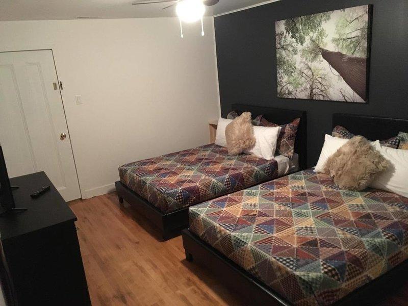 Red Roof Inn Economy Quadruple Room, holiday rental in Bas-Saint-Laurent