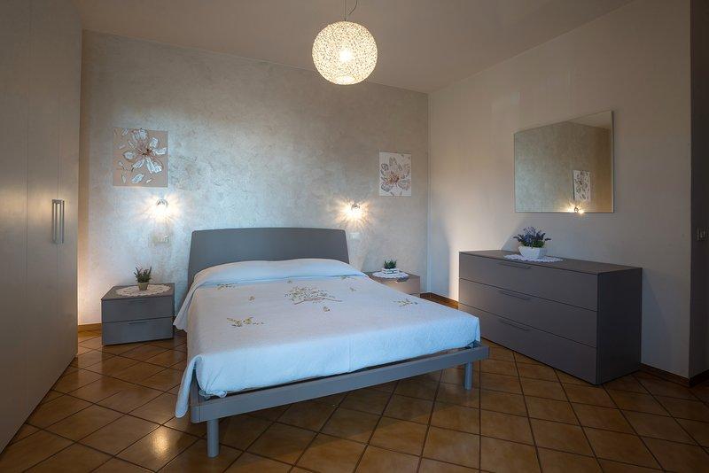 Chambre double Il est possible d'ajouter un lit en bois pour les enfants de 0 à 3 ans.