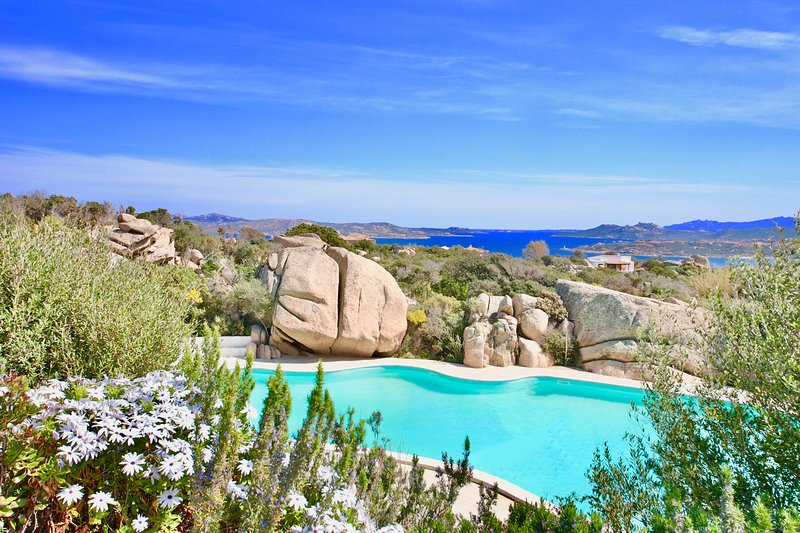 COTTAGE SMERALDA-5pax w/Pool Terrace Seaview by KlabHouse, vacation rental in San Pasquale