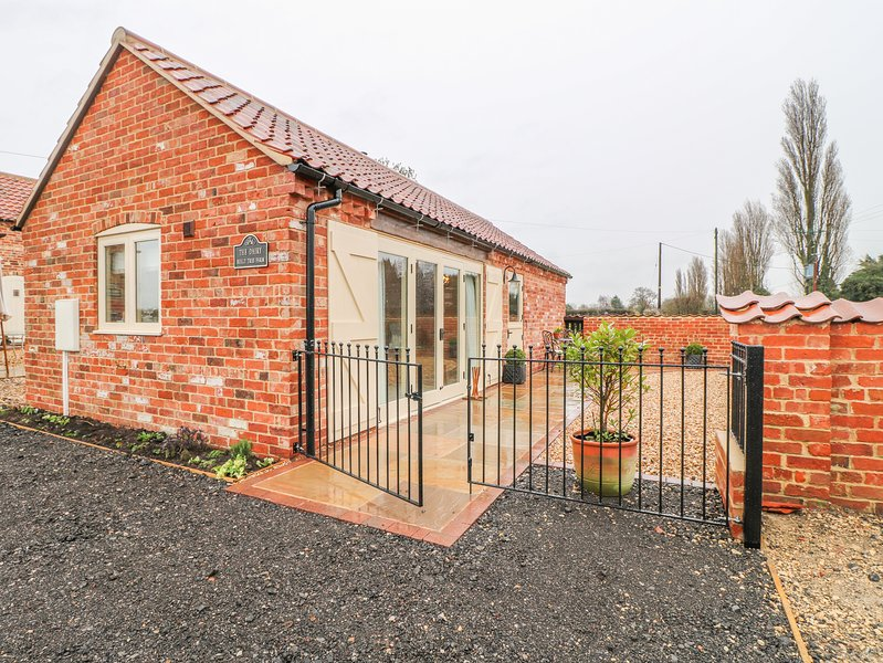 THE DAIRY, Open-plan living, Woodburner, Pet-friendly, North Scarle, location de vacances à Caunton