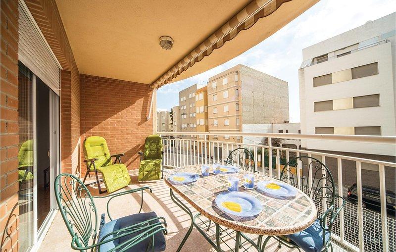 Beautiful apartment in Torreblanca with Outdoor swimming pool, Outdoor swimming, alquiler vacacional en Torreblanca