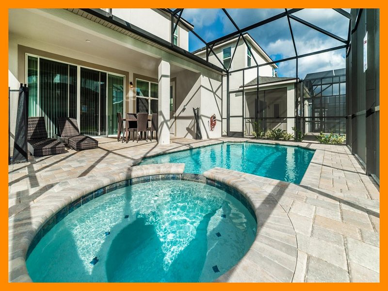 Solara Resort 53 - Modern villa with private pool and spillover tub near Disney, holiday rental in Buena Ventura Lakes