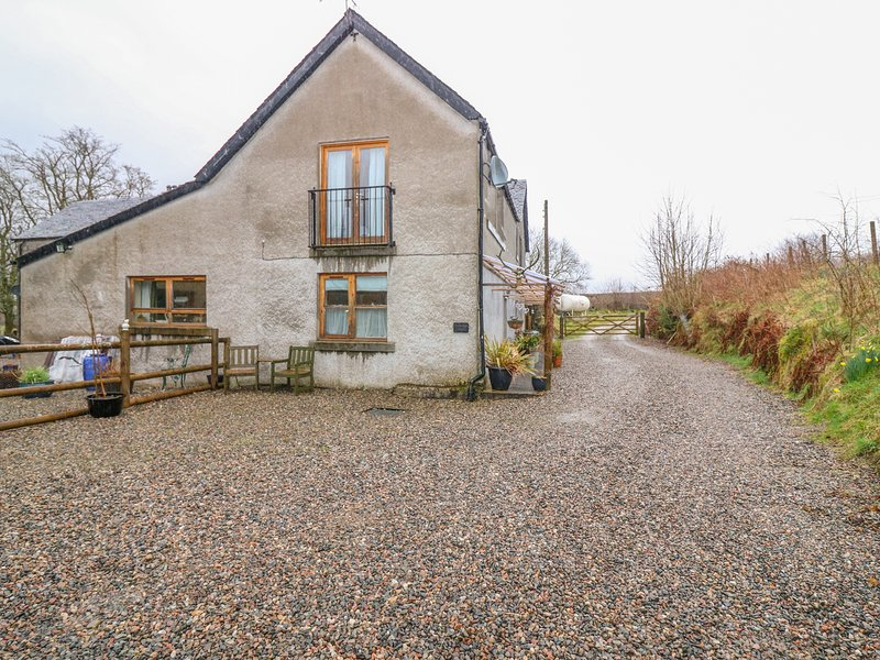 DRIMNATORRAN FARM LODGE, pet-friendly, WiFi, near Strontian, vacation rental in Acharacle