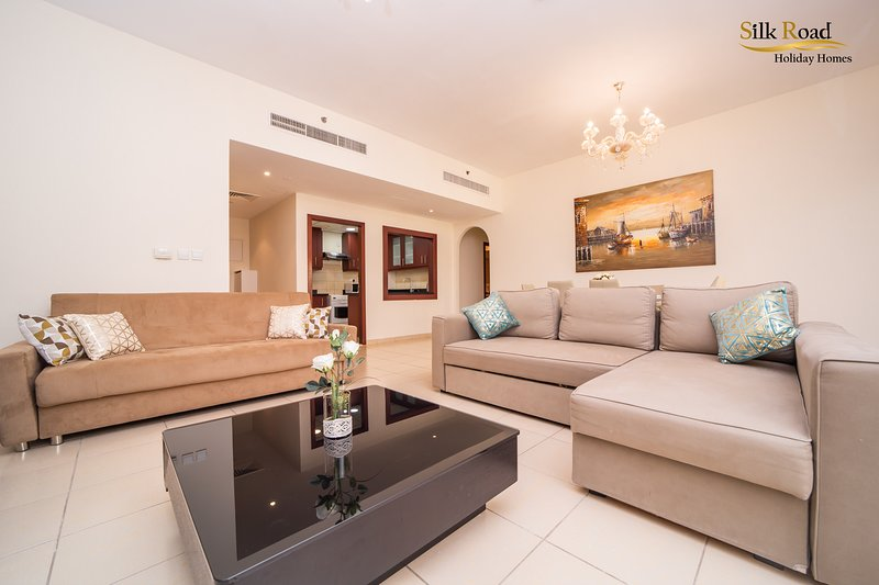 Amazing 1BR apartment, 3 mins walk to the Jumeirah Beach with Marina View