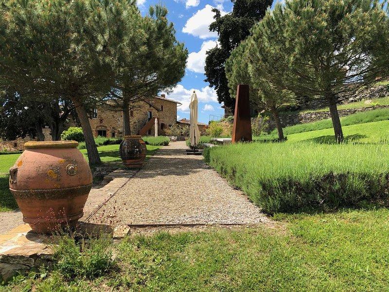 Urlaub auf dem Weingut Poggio al Sole - La Colombaia, holiday rental in Badia a Passignano