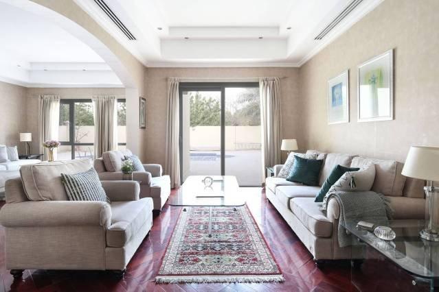 Grand Villa w/ Private Pool in Meadows - Sleeps 10, holiday rental in Jebel Ali