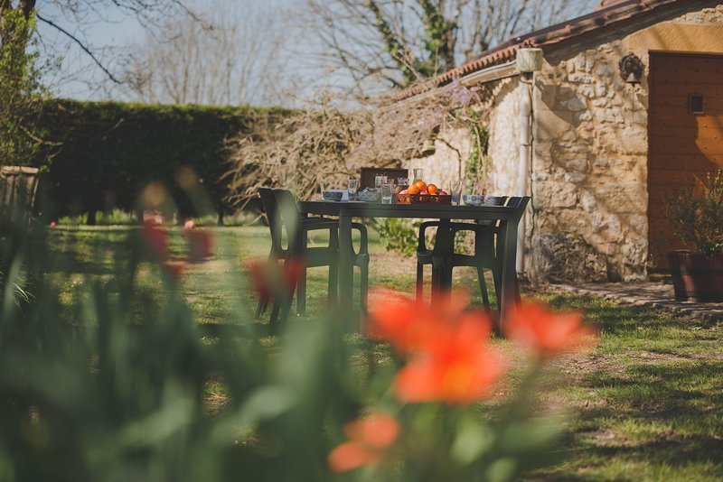 La ferme de Bousserand au coeur du Perigord pourpre, vacation rental in Bourniquel