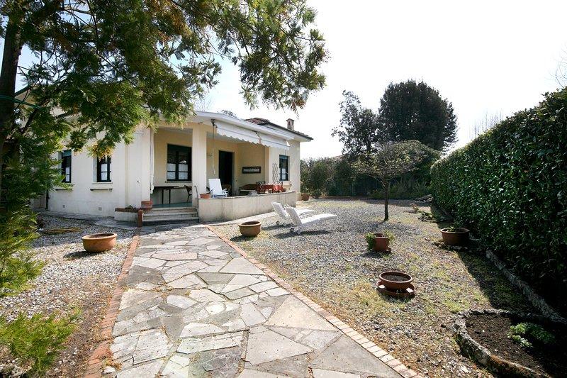 Villa Mazzini - Maria, holiday rental in Forte Dei Marmi