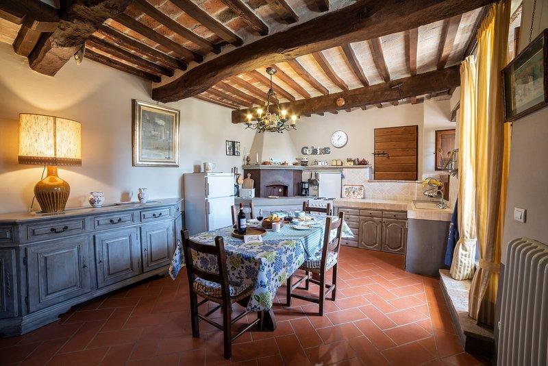 Beautiful house with pool access, casa vacanza a Passignano Sul Trasimeno