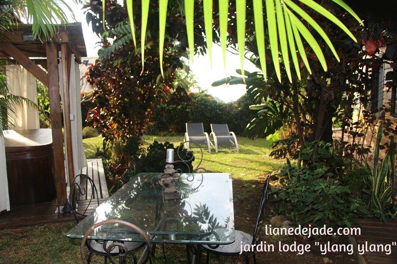 Liane de Jade 974 -  Lodge' YLANG YLANG', location de vacances à Arrondissement de Saint-Paul