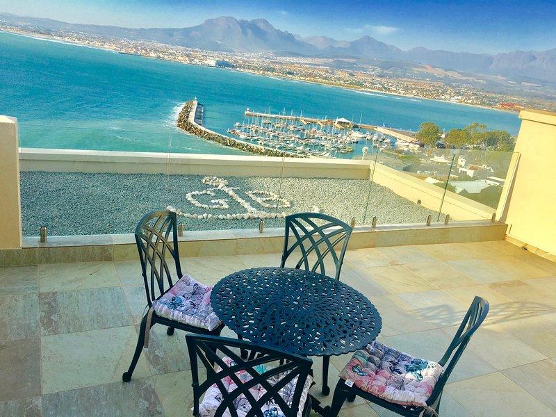 Ocean View Apartments, location de vacances à Gordon's Bay