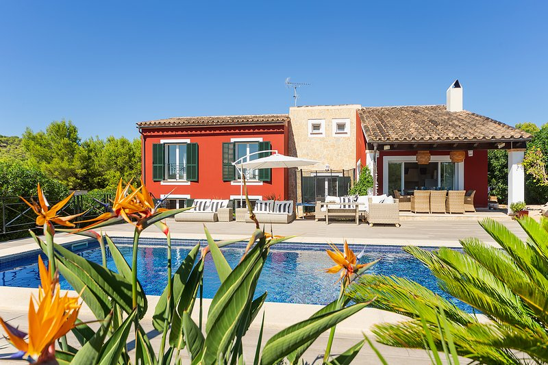 Villa La Calma for 8 - Modern, Pool, BBQ, WiFi, AC, casa vacanza a Camp De Mar