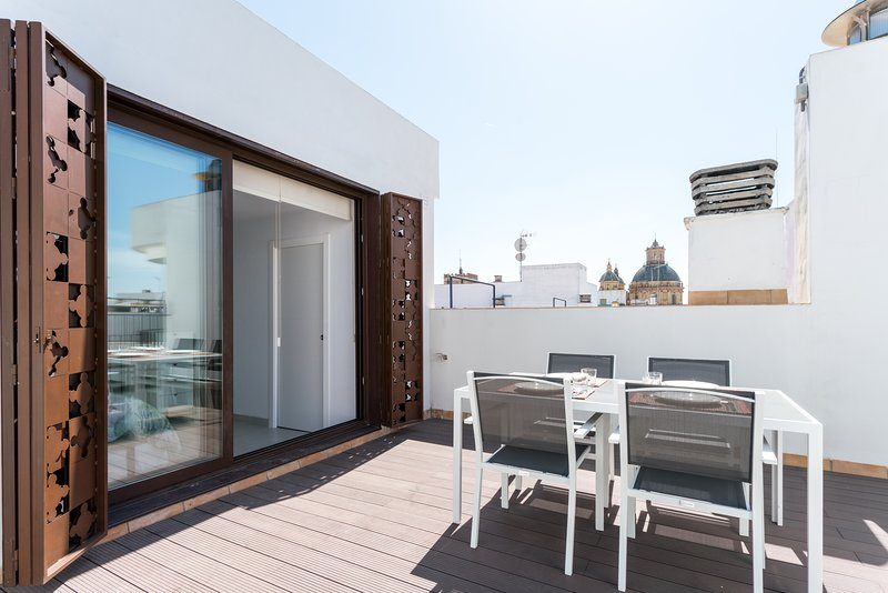 San Luis 65. 2-bedrooms, private terrace, free parking, location de vacances à Almaden de la Plata