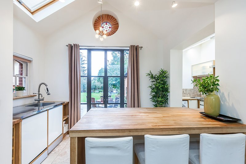 Coach house (Cottage), holiday rental in Bromley