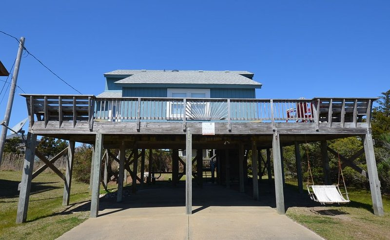 The Cutest Beach House, w/ Hot Tub., holiday rental in Hatteras Island