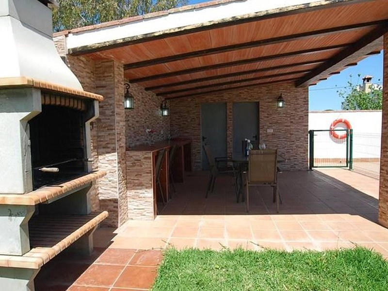 Chalet con Piscina Puerto Pesquero, holiday rental in Roche
