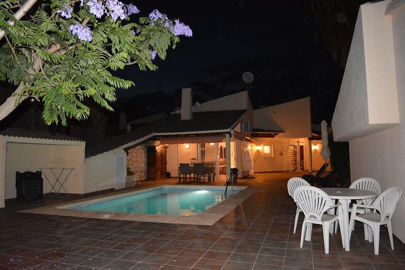 VILLA JACQUELINE PISCINA PRIVADA TRANQUILIDAD Y PRIVACIDAD, vacation rental in Polop