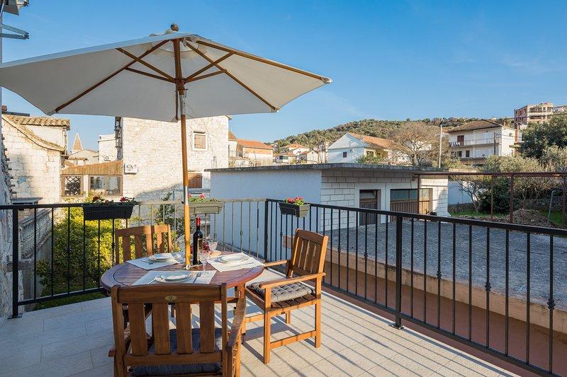 Enchanting 4* flat MARETA private terrace Trogir