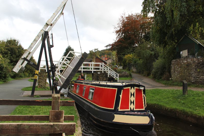 Columbina - Narrowboat - Sleeps 6, Ferienwohnung in Alderley Edge