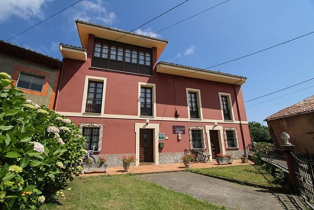 Apartamento nº 3 :Alojamiento en Ovio cerca de Ribadesella, holiday rental in Nueva de Llanes