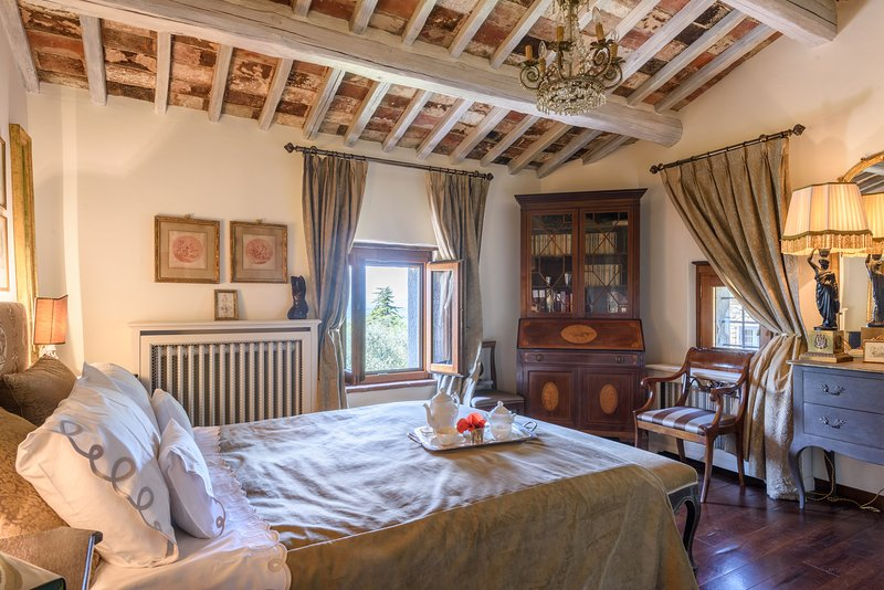 Immaculate Tuscan villa to make your home, attention to every detail, vacation rental in Castroncello
