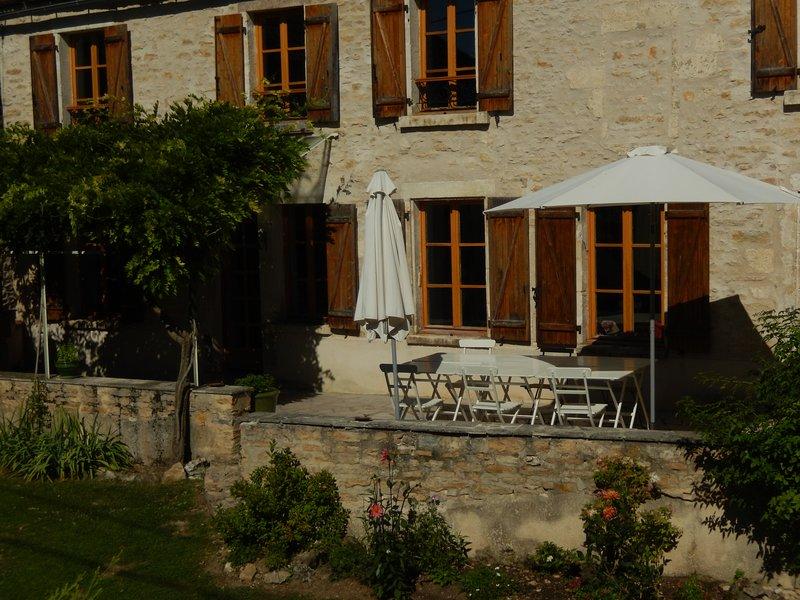 Maison familiale, entre Vézelay et Chablis, location de vacances à Arcy-sur-Cure