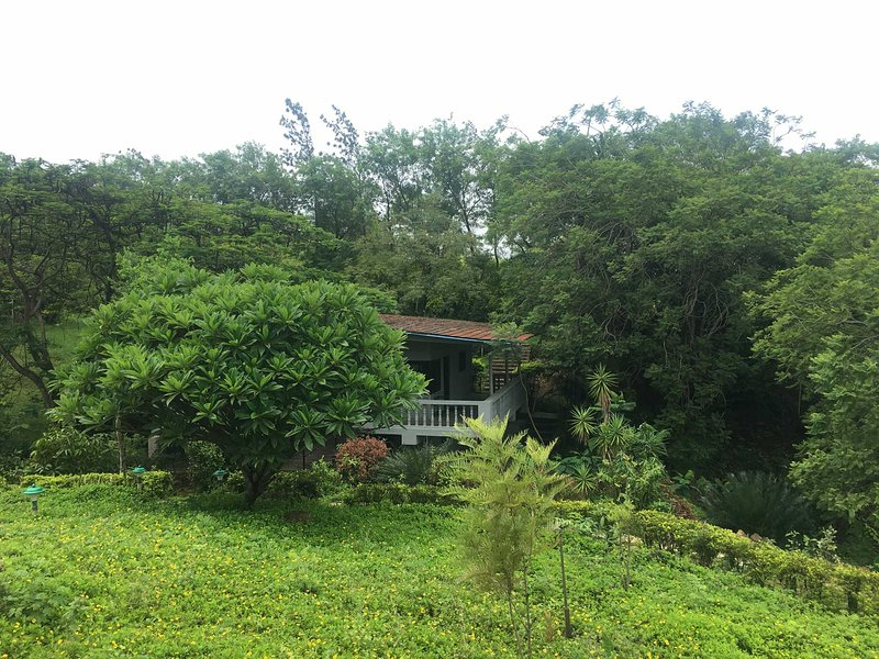 Casa Piccola - Cozy Cottage with River View, vacation rental in Pune District