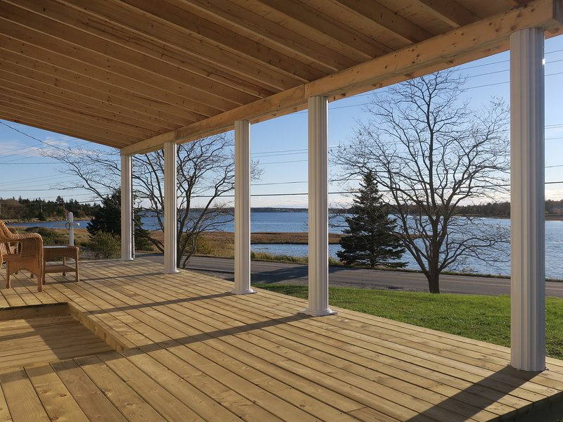 Sherose Island Holiday House, holiday rental in Barrington