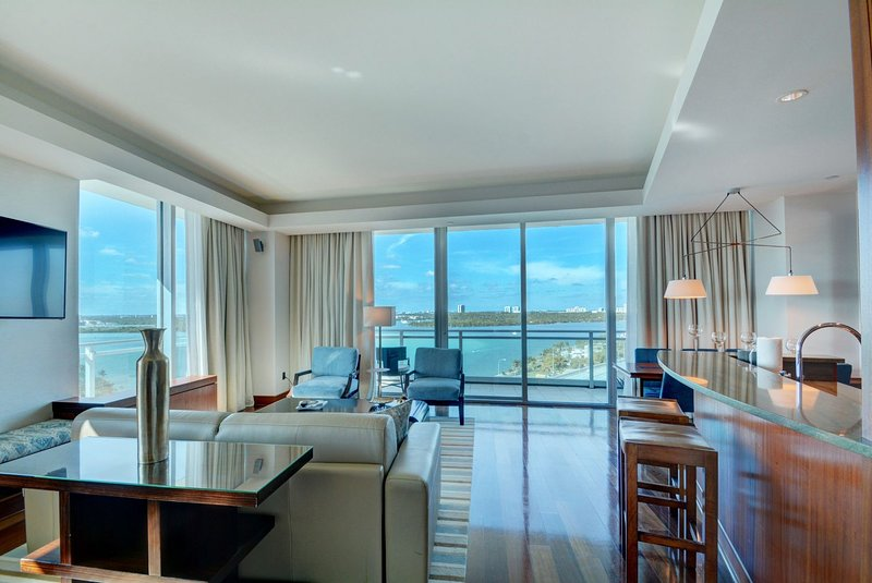 One Bal Harbour located at 10295 Collins Ave One bedroom Suite Sleeps 3, holiday rental in Bay Harbor Islands