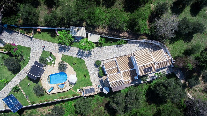 Set in the central area of Corfu It could be the perfect base for you  to explore the whole island.