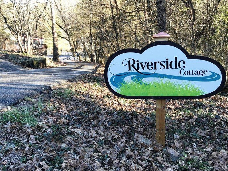 Riverside Cottage sign