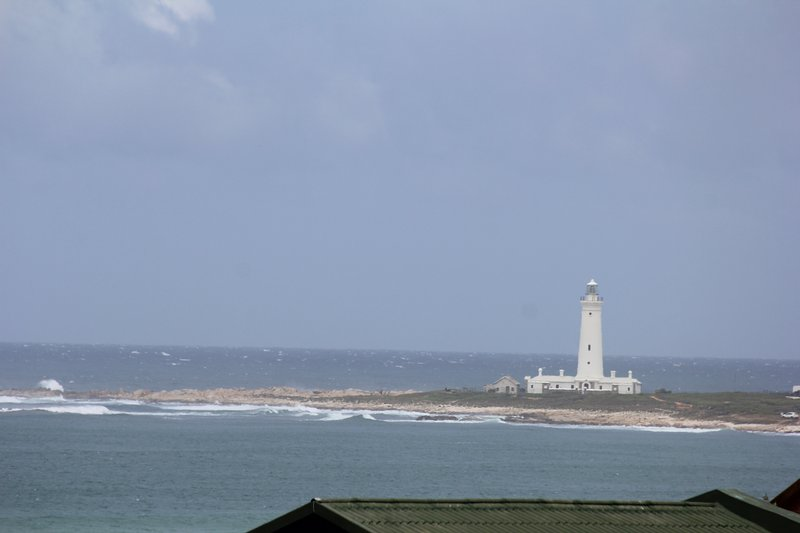 Lighthouse view... cozy apartment, vacation rental in Port St Francis