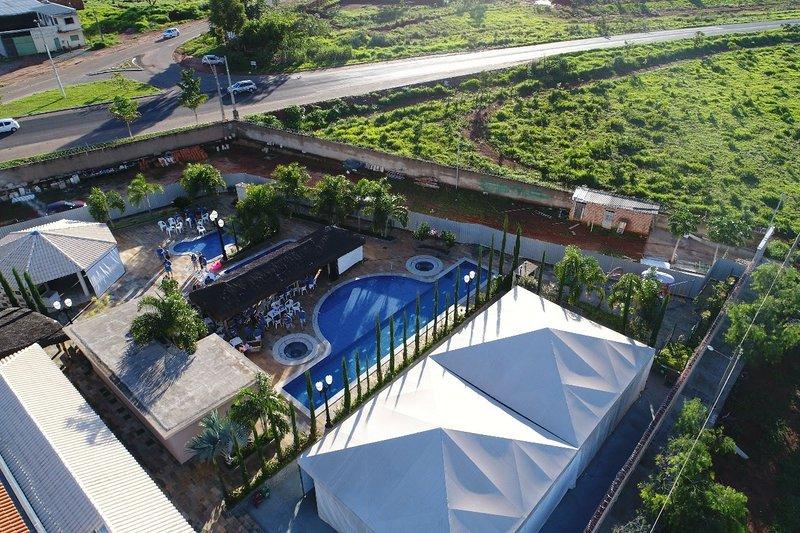 PUNTACALDAS - CASA 8 - R$686/casa/noite.{2Q,1Suite,Sl,Coz.B.Social) Acomoda 7., location de vacances à Caldas Novas