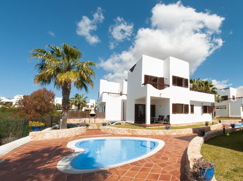 Detached five bedroom Villa in Cala d'or, location de vacances à Cala d'Or