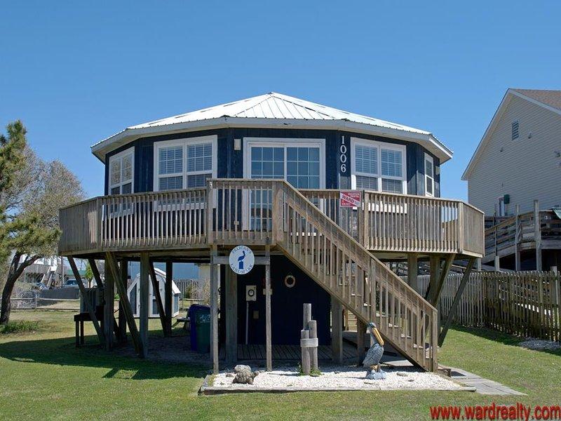 PET FRIENDLY ROUND HOUSE! - Pelican's Landmark, alquiler de vacaciones en Holly Ridge